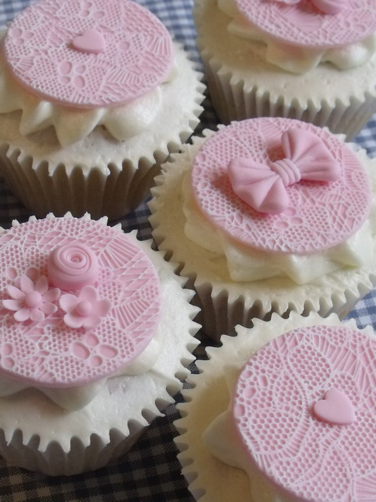 Wedding Cupcakes by Helen Alborn Cakes