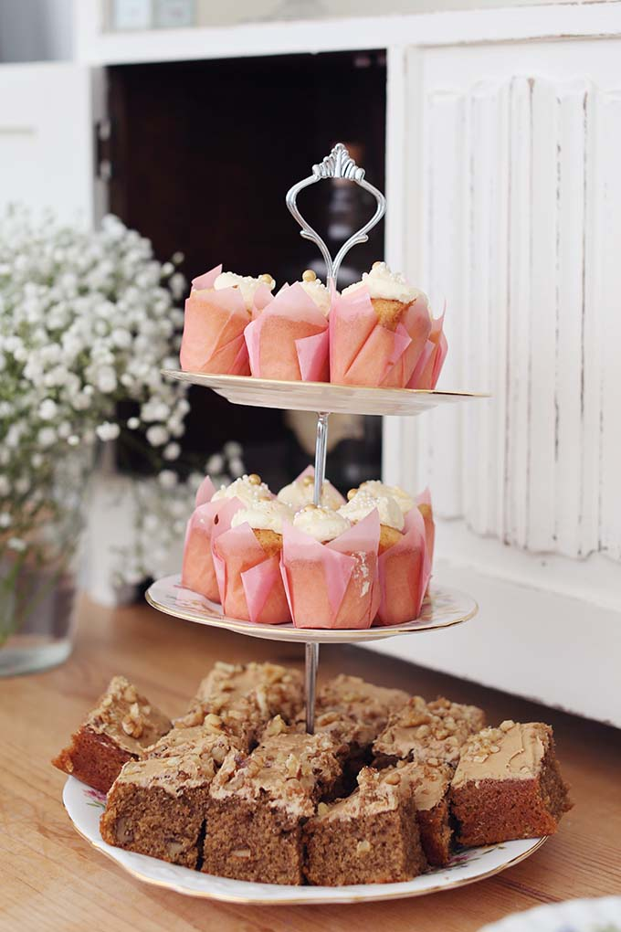 Cupcakes And Cake