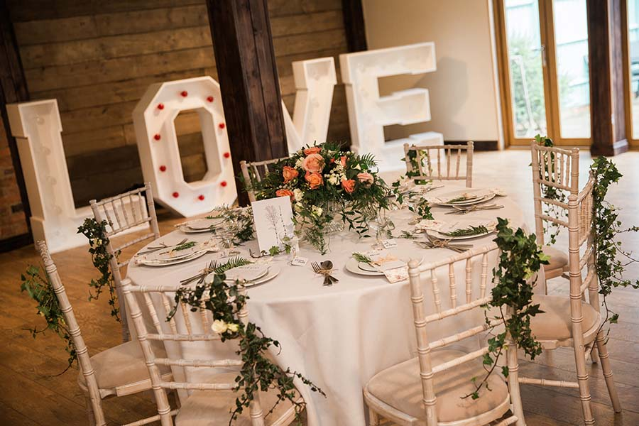 Rustic Barn Wedding -Lindsey Arber Photography