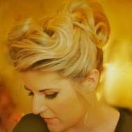 Book Rebecca Diamond Music And Save 10% On Your Wedding Entertainment