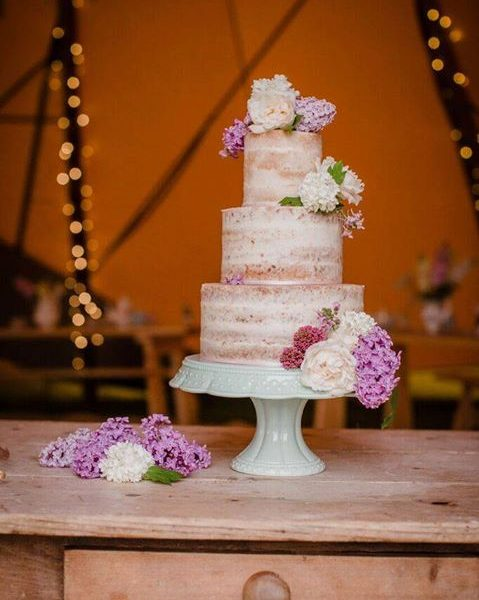 Naked Wedding Cake By Helen Alborn Cakes, Leicestershire Photographed By Sarah Salotti Photography