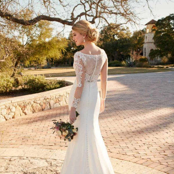 When SHOULD You Buy Your Wedding Dress?