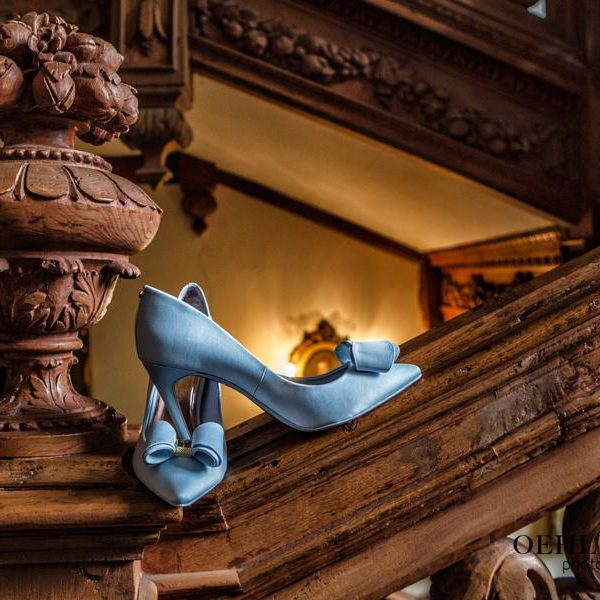 Bride's Shoes - Oehlers Photography | Nottingham Wedding Photographer