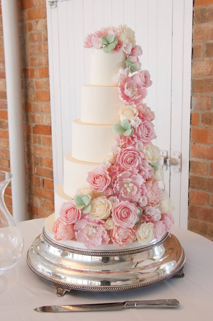 roses wedding cake from Cherry Blossom Cakes