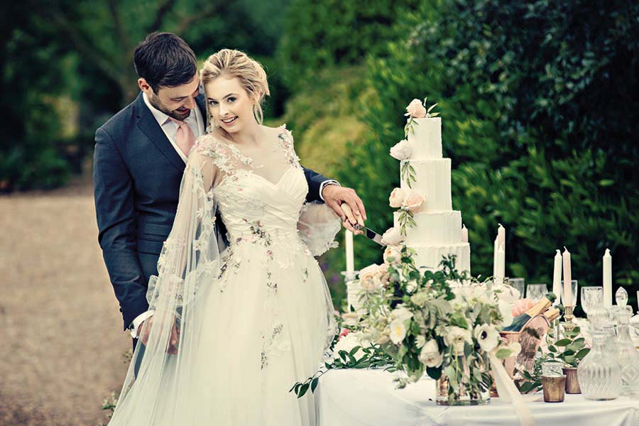 Buckinghams Wedding Magazine – Hodsock Photoshoot 2018 – Dottie Photography (55)