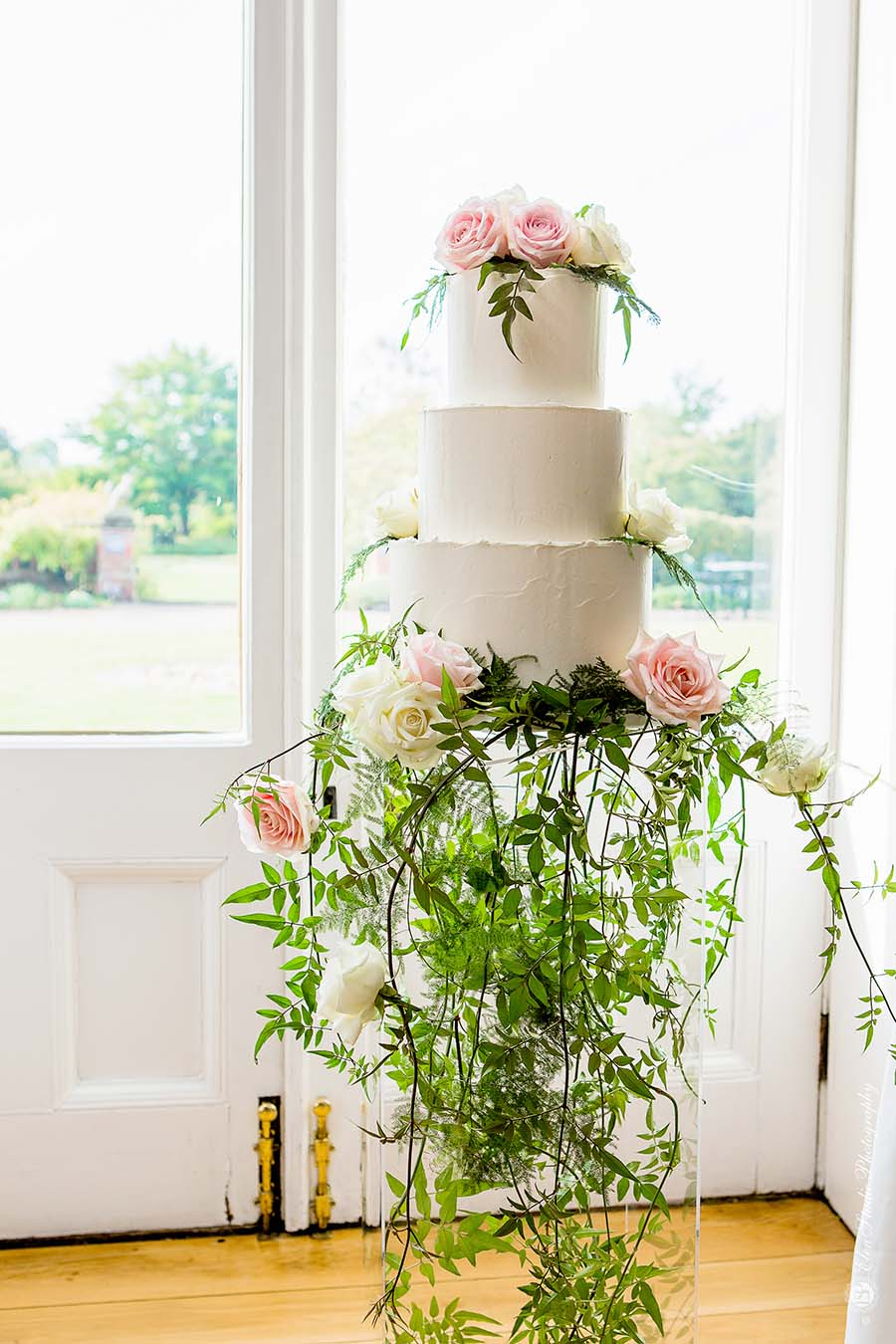 Hodsock-priory-wedding-fair-Elen-Studio-Photography-010